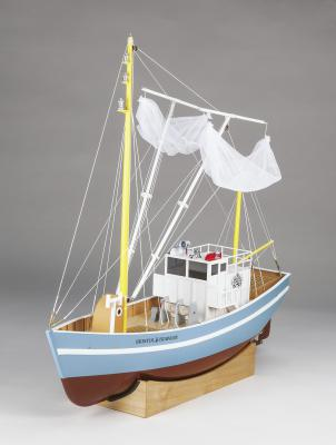 Aquacraft Bristol Trawler fishing boat rc 01