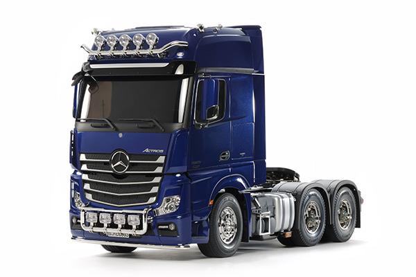 Tamiya Mercedes Actros 3363 gigaspace blu kit 1