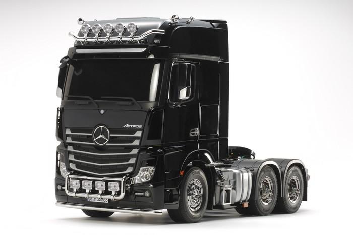Tamiya Mercedes Actros 3363 gigaspace kit 1