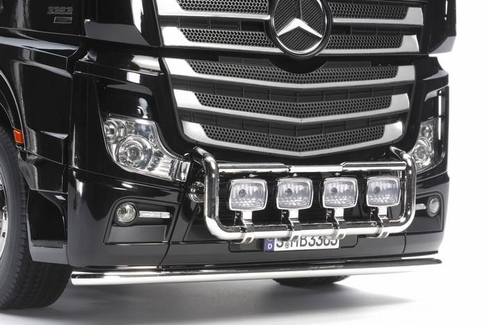 Tamiya Mercedes Actros 3363 gigaspace kit 6