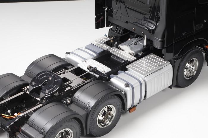 Tamiya Mercedes Actros 3363 gigaspace kit 7
