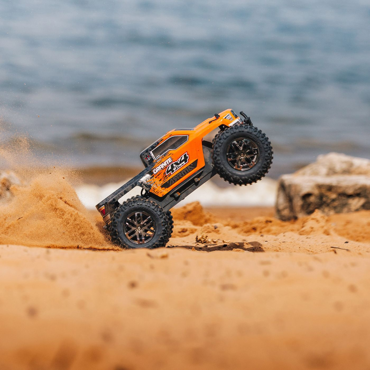 Arrma Granite 3S 4x4 Brushless BLX RTR 9