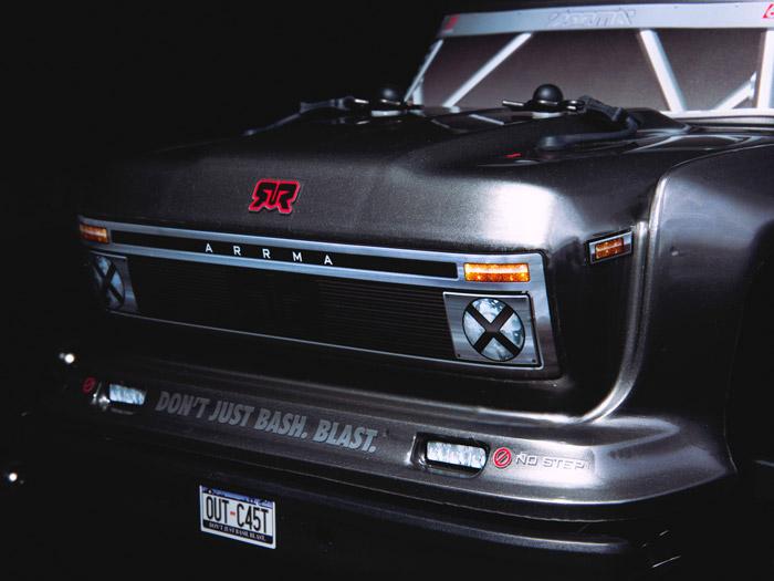Arrma Outcast 6S BLX 4WD Stunt Truck rtr 4