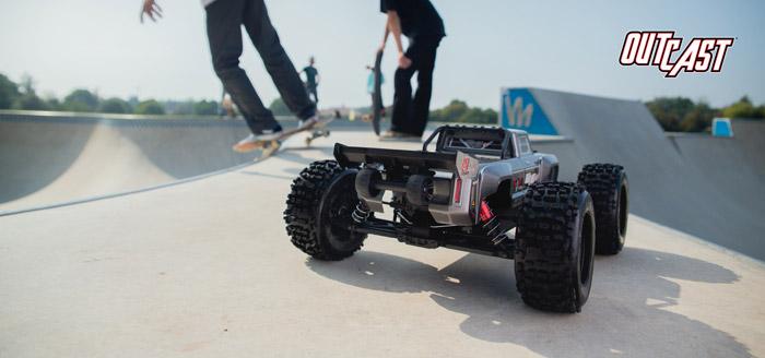 Arrma Outcast 6S BLX 4WD Stunt Truck rtr 11