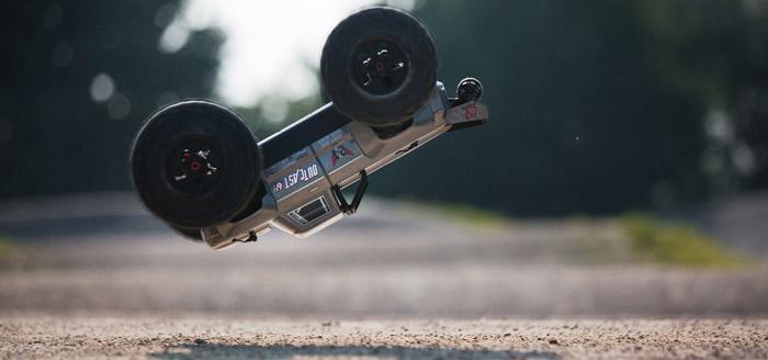 Arrma Outcast 6S BLX 4WD Stunt Truck rtr 13