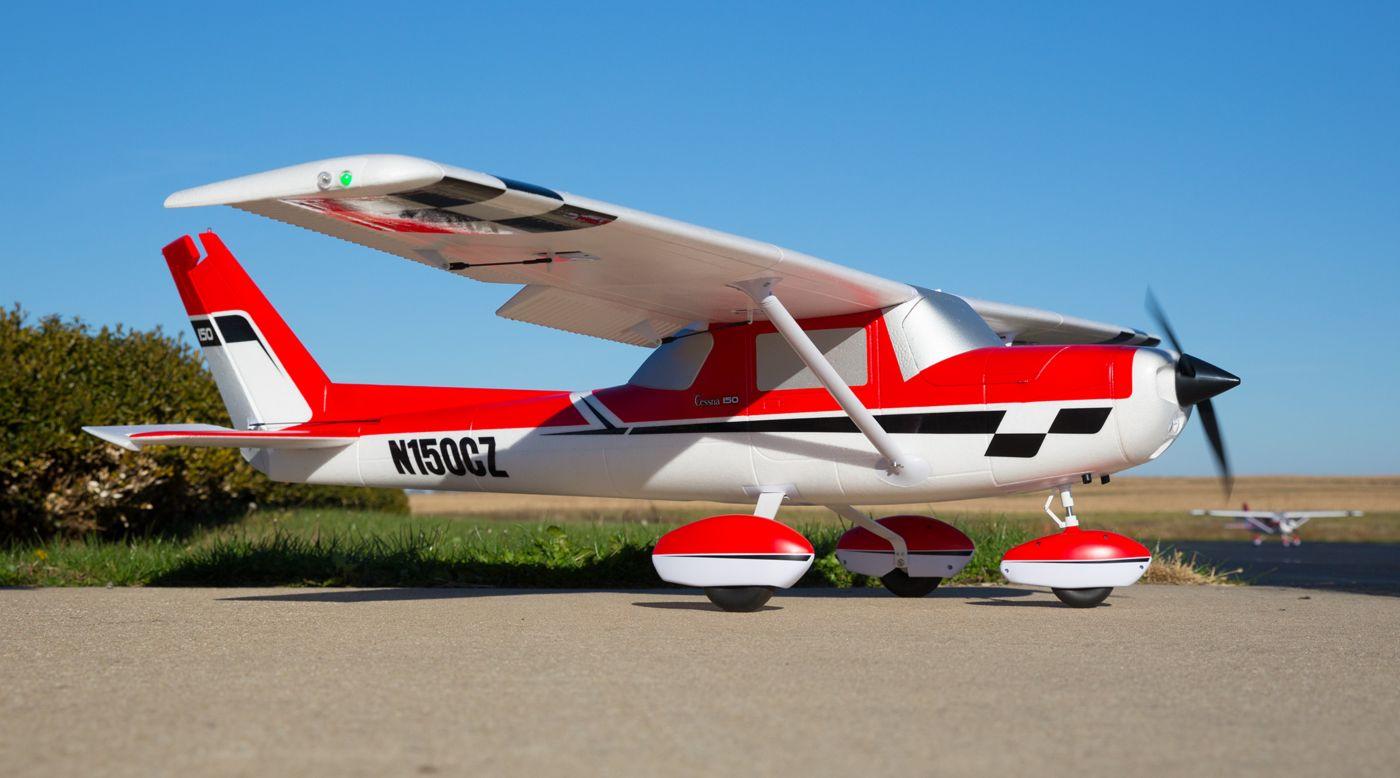 E-flite Carbon Z Cessna 150 2.1m BNF Basic 01