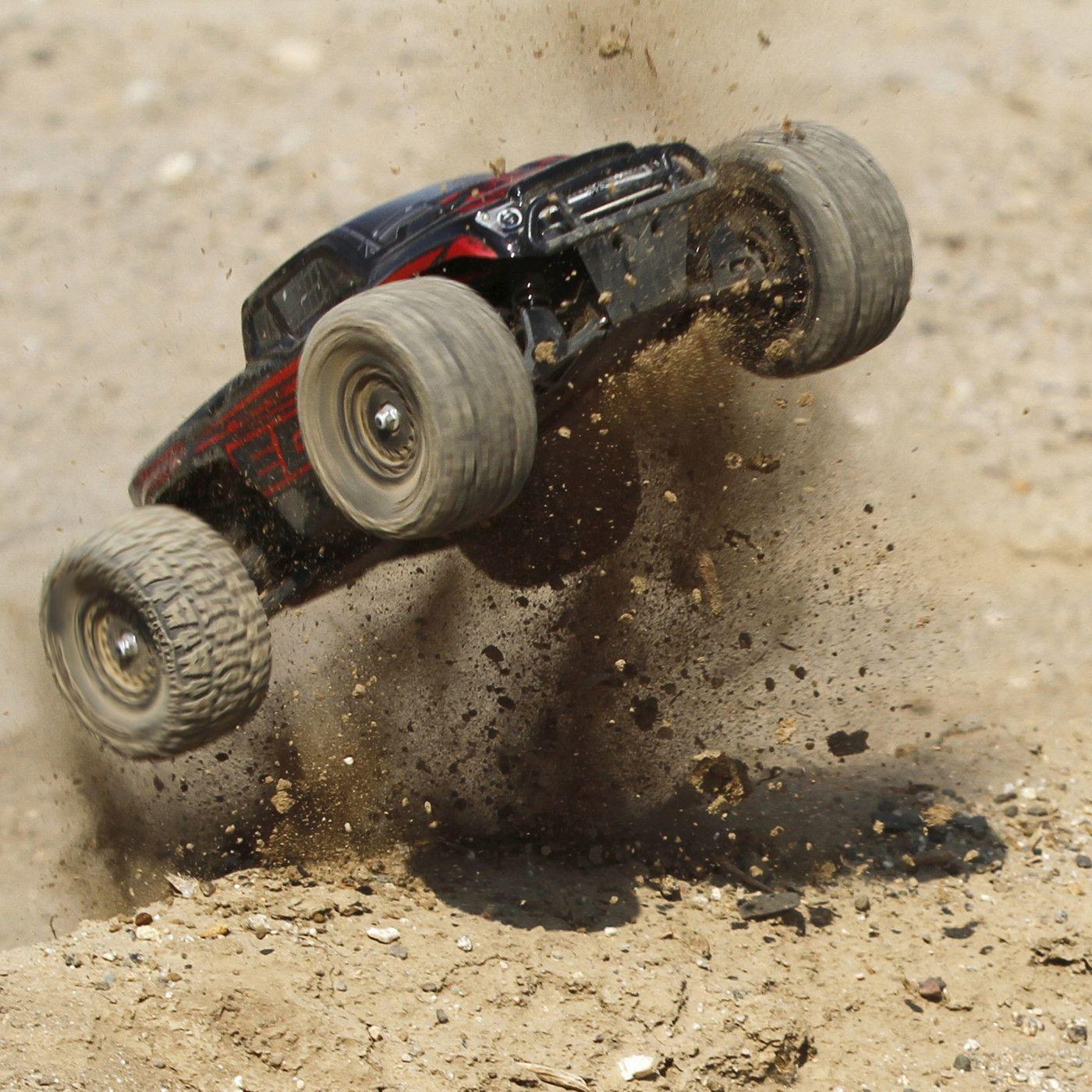 ecx ruckus monster truck 4wd rc rtr 05